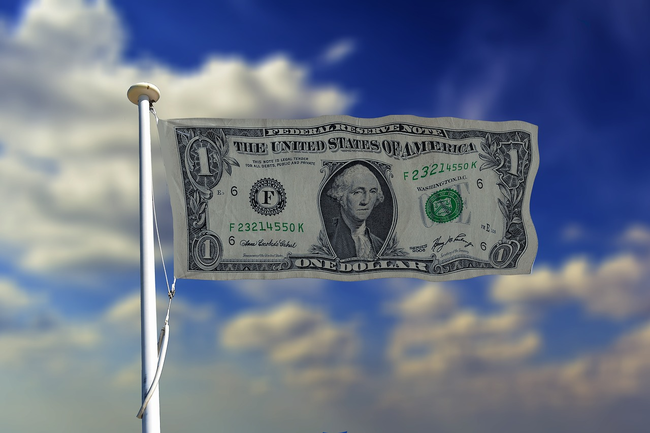 Dollar Softens ahead of U.S. Presidential Elections