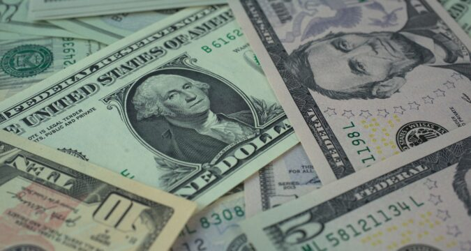 World Shares Reached Peaks, Dollar in Trough
